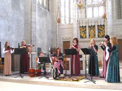 Kiili vanamuusikaansambel esinemas 11. juulil Toronto Ülikooli Trinity Chapel'is.  Foto: M. Wilbiks   - pics/2008/07/20436_1_t.jpg