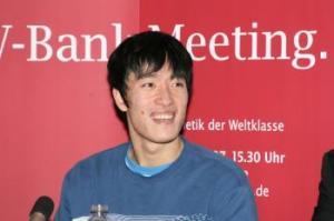 Hiina tõkkejooksja Liu Xiang murdus Pekingis  olümpiapinge all.  Foto: Jan Erik Siebert - pics/2008/09/20809_1_t.jpg