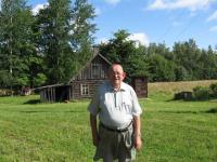 "Rabasaarel vana sauna ja vastse ""kullakambri"" taustal. Foto: E. Purje   - pics/2008/09/20904_2_t.jpg"