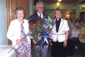 Õp. Heino Laaneotsa 80. juubeli tähistamisel Montrealis. Vas. pr. Virve Laaneots, õp. Heino Laaneots ning abiõpetaja Kylliki Pitts. Foto: Meeme Sultson - pics/2008/09/20948_1_t.jpg
