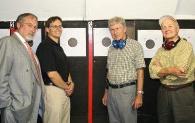 Vasakult Jan Waldin, TEPP esimees Markus Alliksaar, Case Ootes ja Peeter Loite. Pildistas Tauno Mölder.  - pics/2008/09/20998_1_t.jpg