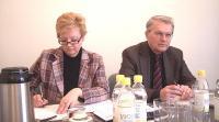 Anne-Ly Reimaa ja välissuhete osakonnajuhataja asetäitja Madis Järv.  - pics/2008/10/21370_1_t.jpg