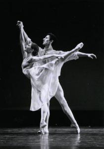 "Järvi Raudsepp koos partneri Roger Fonnegraga esinemas talvehooajal 2008 Antony Tudori balletis ,,Leaves are Fading"" kompanii Festival Ballet Providence koosseisus.    Foto: Gene Schiavone - pics/2008/10/21408_1_t.jpg"