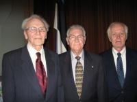 Peetri koguduse kunagised esimehed Juhan Laanes, Egbert Runge, Jaan Kruus. Foto: E. Purje - pics/2008/10/21416_2_t.jpg