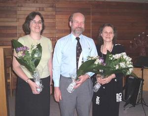 Estonia Koori praegused dirigendid (vas.): Ingrid Silm, Jaan Medri ja Margit  Viia-Maiste. - pics/2008/11/21598_2_t.jpg
