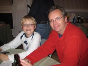Poeg Aleksander ja isa Uku Peets. - pics/2008/12/21915_16_t.jpg
