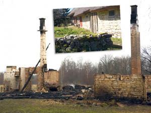 Kadariku taluhoone mullu kevadel (üleval). Pärast eileöist põlengut jäi rookatusega talumajast alles vaid müürid ja korstnajalad. Foto: Irina Mägi     - pics/2008/12/22029_1_t.jpg