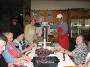 The West Coast Canadian Estonian Veriviorsti Vabrik or Black Sausage Factory:   (left to right) Marje Suurkask, Aino Uus, Kärtu Selde, Laida Telder, Helmi Selde, Raul Vabasalu & Edda Davis.   Photo: Eva Vabasalu - pics/2008/12/22076_1_t.jpg