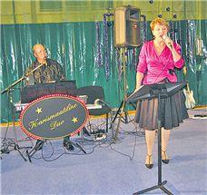 KOOS: Enno Õunapuu ja Katrin Karisma on koos nii töös kui ka eraelus. Kontserte antakse Karismaatilise Duo nime all. (Erakogu) - pics/2009/01/22339_1.jpg