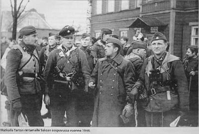Teel Tartu rindele Saksa vormis aastal1944        - pics/2009/02/22975_5_t.jpg