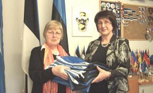Maie Kisis-Vainumäe ja Milla Asmu.     - pics/2009/04/23373_2_t.jpg