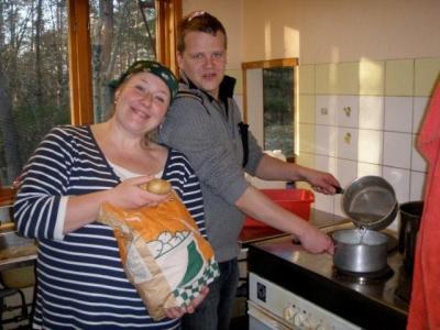 Köögitoimkond: Janne Heinpalu ja Sten. - pics/2009/04/23472_7_t.jpg