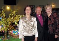 Vas. solist Heli Tenno õ. Andres Taul ja pianist Asta Ballstadt.   Foto: T. Roiser - pics/2009/04/23484_1_t.jpg