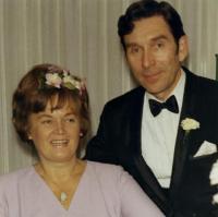 Hilda ja Paul Truupere oma pulmapäeval. Foto: erakogust   - pics/2009/05/23872_1_t.jpg