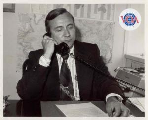 Vello Ederma 1975.a., kui ta ametinimetuseks oli  Deputy Chief, European  Division.  VOA ametlik foto - pics/2009/06/24190_1_t.jpg