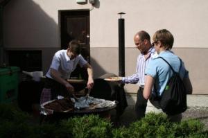 Pakuti värskelt grillitud liha ja lõhe. - pics/2009/07/24311_15_t.jpg
