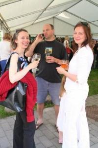 Maimu Nõmmik, Märt Matsoo ja Sigrid Leppmets. - pics/2009/07/24311_17_t.jpg