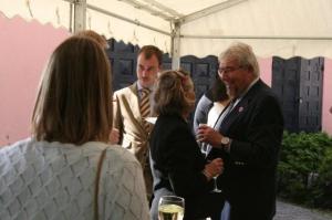 Euroopa Komisjoni Eesti esinduse juht, endine rootsi-eestlane Toivo Klaar ja Ervin Hopp Torontost. - pics/2009/07/24311_20_t.jpg