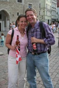 Calgarys sirgunud Krista Leesment ameerika-eestlasest abikaasa Ivo Salmrega. - pics/2009/07/24311_37_t.jpg