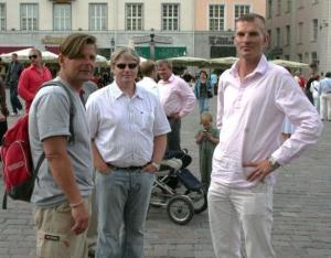 1990datel aastatel Torontos elanud, nüüd Eestisse naasnud Reljo Vilbiks (keskel) ja Mati Annus (paremal).                            Fotod ja tekstid: Riina Kindlam - pics/2009/07/24311_42_t.jpg