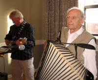 Lembit Vohnja (vasakul) ja Voldemar Palo mänguhoos. Foto: E. Purje     - pics/2009/09/25340_2_t.jpg