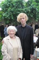 Laine Leichter  pea kõigi Eesti tshellistide koolitaja.  Fotol on ta koos oma endise õpilase Theodor Sink'iga   - pics/2009/09/25354_2_t.jpg