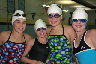 The 14 & under Girls 200m Freestyle Relay team (4x50m). From the left Vanessa Gold, Aleksa Gold, Leili Moore and Kirke Timmusk.         - pics/2009/10/25753_2.jpg
