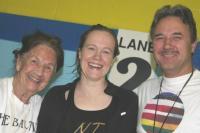 Vas.: Võistluste entusiast ja organiseerija Mai Kreem, Kia Puhm ja Madis Kreem. Foto: Alison Warner Timusk - pics/2009/10/25791_1_t.jpg