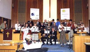 TEBK segakoor ja noorte vokaal-instrumentaalansambel.   Foto: I. Lillevars       - pics/2009/11/26126_1_t.jpg