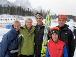 Väljaste sportlik perekond: Vas. ema Marianne, Kristina, Lenny, Austin ja isa dr. Peter Väljas. Foto: erakogust - pics/2010/01/27035_1_t.jpg