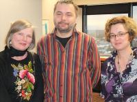 Ülle Baum, Tarvi Martens  ja Euroopa Liidu programmide koordinaator Olga Arnaudova pärast hr. Martensi edukat loengut Carletoni Ülikoolis  Foto: erakogust. - pics/2010/01/27054_2_t.jpg