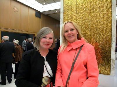 Ülle Baum ja Läti suursaadiku abikaasa Sandra Krams. Foto: erakogust.  - pics/2010/03/27544_2_t.jpg