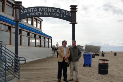 E.E.L.K. Los Angelese Koguduse õpetaja Jüri Pallo ja Tarmo Toom. Foto: erakogust - pics/2010/03/27554_1_t.jpg
