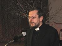 Õpetaja Tauno Teder kõnelemas.   Foto: E. Purje          - pics/2010/03/27617_2_t.jpg