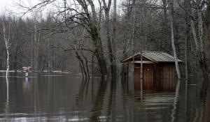 """""""Meiekose laagriplats - rohkem vee all kui kunagi varem,"""" kirjeldab fotograaf Heiko Kruusi. - pics/2010/04/27803_12_t.jpg"""
