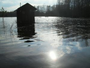 Vesiklosett / water closet à la Soomaa. - pics/2010/04/27803_31_t.jpg