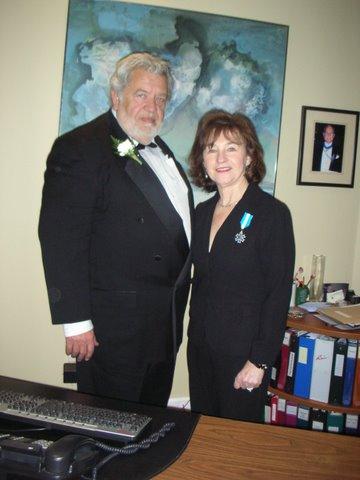 Annely Riga koos EV aupeakonsul Laas Leivatiga peale autasustamist Kanada Eestlaste Teenetemärgiga 24. veebruaril 2009. Foto erakogust - pics/2010/05/28187_4.jpg