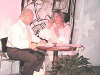 Stseen lavastusest. Vas. Andres Raudsepp ja Tiina Maripuu.   Foto: K. Kadakas - pics/2010/05/28203_2_t.jpg