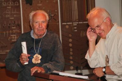 Toomas Metsala ja professor Jüri Kivimäe - pics/2010/08/29391_1_t.jpg