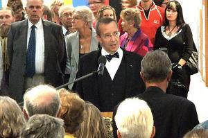 President Ilves kõnelemas näituse avamisel.   Foto: EE       - pics/2010/09/29585_3_t.jpg