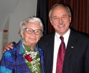 Peetri koguduse 60. aastapäeval koos dr. Jaan Reitaviga oktoobris 2008. Foto Tiiu Roiser     - pics/2010/10/29852_2_t.jpg