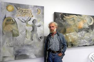Arne Roosman  with his paintings Freija and Pegasus. Photo: V. Külvet    - pics/2010/10/29866_1_t.jpg