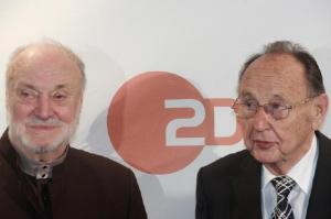 Maestro Kurt Masur koos Saksamaa endise välisministri Hans-Dietrich Genscheriga, kes pidas kõne   - pics/2010/11/30179_3_t.jpg
