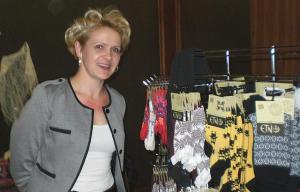 Jõululaada Baltic & Friends korraldajal Siiri Ruccella-Puril on palju häid ideid, kuidas eestlaste tugevust maailmale näidata: koostöös peitub jõud. Foto: K. Tensuda  - pics/2010/11/30346_4_t.jpg