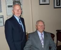 Pildil on Ylo-Mark Saar (85 a) ja August Pertmann (90 a). Foto: Paavo Loosberg  - pics/2010/11/30355_1_t.jpg