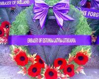 Eelmisel nädalal toimunud Remembrance Day oli tähtis sündmus meile kõigile. Omapoolse austuse avalduseks asetasid Eesti-Läti-Leedu ühise mälestuspärja Ottawas toimunud mälestamistseremoonial.   - pics/2010/11/30355_2_t.jpg