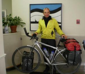 Raimo Laosma külastas 8. detsembril Tartu College¹it ja Eesti Elu toimetust. Praegu on ta ilmselt USAs teel New York City poole. Nagu ta kirjutas oma blogis, oli ta 14. detsembriks läbinud 9000 km. Foto: K. Tensuda  - pics/2010/12/30663_1_t.jpg
