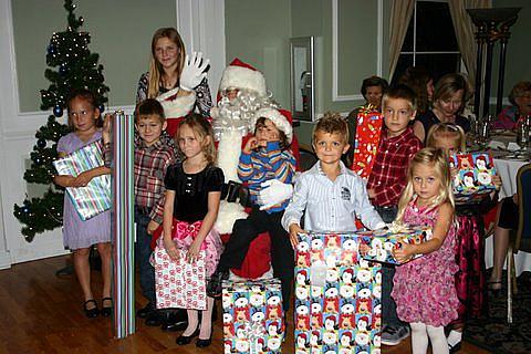 Jõuluvana lastega Lõuna-Floridas. Foto Monika Kallas - pics/2010/12/30736_1.jpg