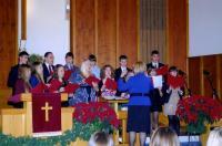 Koguduse noortekoor esinemas Marika Wilbiksi juhatusel. Foto: I. Lillevars  - pics/2010/12/30822_2_t.jpg