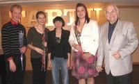 Raamatuesitluse lõpul. Vasakult: Riho Maimets, Kaili Maimets, dr Triinu Ojamaa, Kristina Agur, Andres Raudsepp. Foto: E. Purje  - pics/2011/04/32077_3_t.jpg